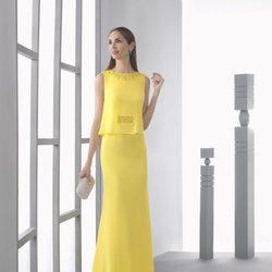 Eugenia Silva con un vestido amarillo de la colección 'Cocktail 2017' de Rosa Clará