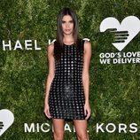 Sara Sampaio con un vestido de cuero en 'Golden Heart Awards' de Nueva York