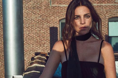 Julia Restoin como nueva imagen de Mango en su colección 'Journey'