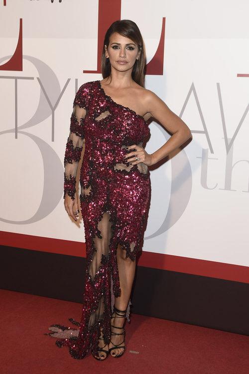Mónica Cruz con un vestido de Moschino en los Elle Style Awards 2016