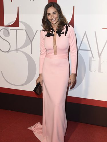 Inés Sastre con un vestido rosa cuarzo en los Elle Style Awards 2016