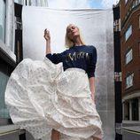 Poppy Delevingne y su jersey de la campaña 'Christmas Jumper Day' de Save The Children