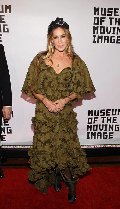 Sarah Jessica Parker con un vestido verde en un evento del Museo de la Imagen en Movimiento en Nueva York