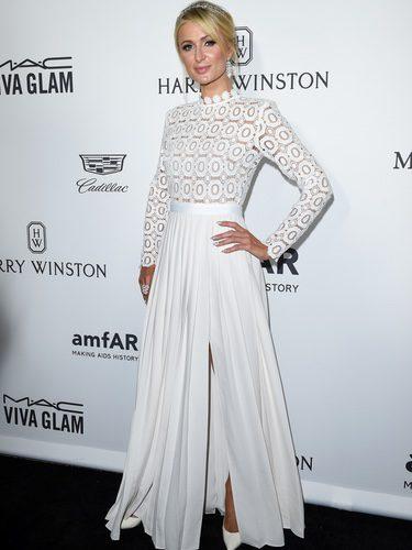 Paris Hilton con un vestido de Self Portrait en la Gala amfAR 2016