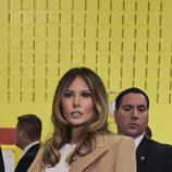 Melania Trump con un abrigo de paño en una jornada de campaña en Nueva York
