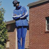 Chaqueta azul y blanca de la colección de Pharrell Williams con Adidas