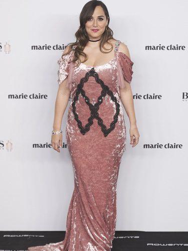 Tamara Falcó con un vestido de terciopelo rosa en los Premios Prix Moda 2016