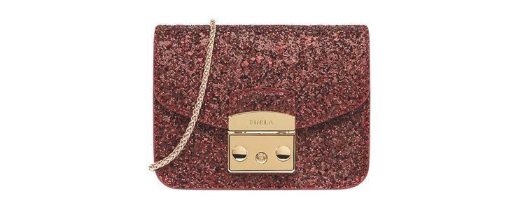 Bolso de mano con purpurina roja de Furla colección Navidad 2016