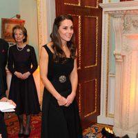 Kate Middleton con un total look black en los Place2Be Awards 2016 en Londres