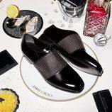Mocasines negros con cristales de Jimmy Choo colección Crucero 2017