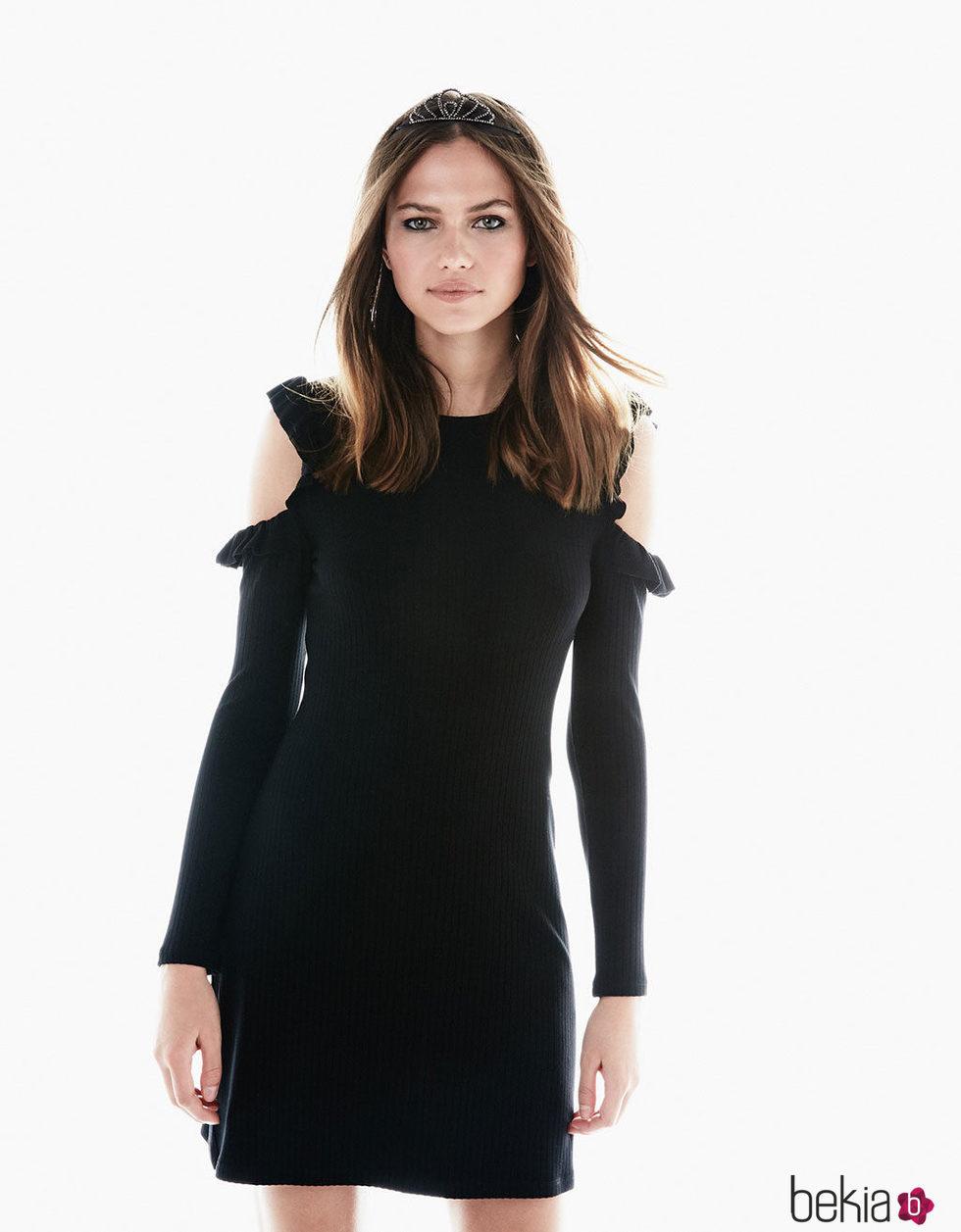 Vestido negro y corona plateada de Bershka para Navidad 2016
