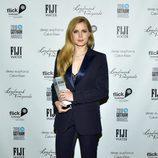 Amy Adams con un esmoquin azul navy en los 'Gotham Awards' en Nueva York