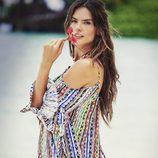 Alessandra Ambrosio con un vestido vaporoso de su firma Ale by Alessandra