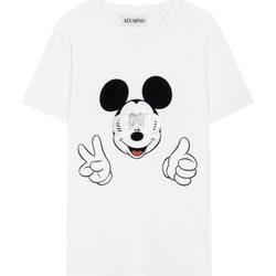 Alvarno diseña una camiseta solidaria para la Fundación Aladina