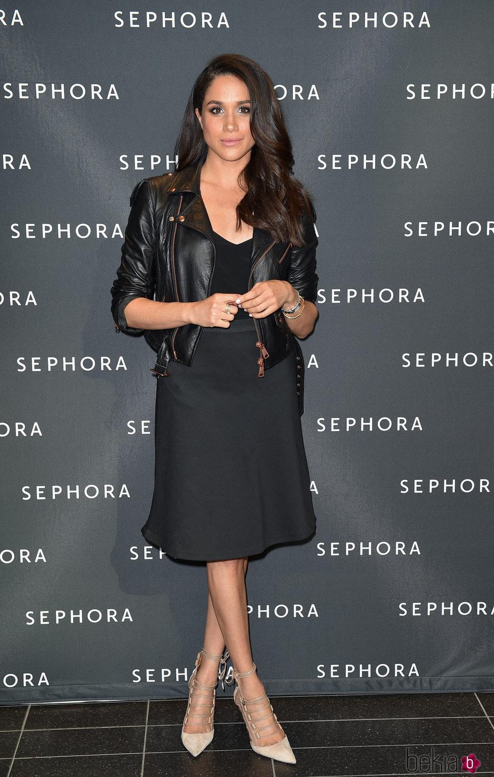 Meghan Markle con un total look black en la inaguración de una tienda Sephora en Toronto