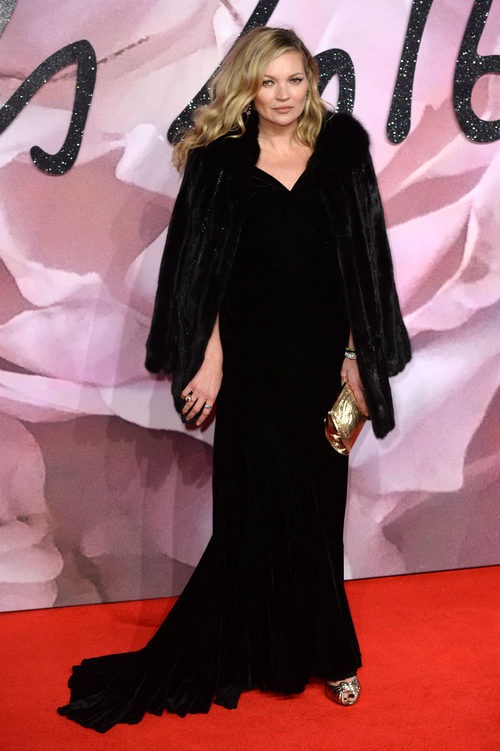 Kate Moss con un total black en los British Fashion Awards 2016
