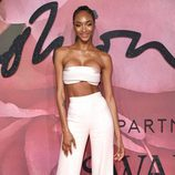 Jourdan Dunn con un mini top en los British Fashion Awards 2016