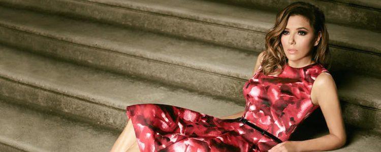 Eva Longoria con un vestido estampado para The Limited colección Holiday 2016