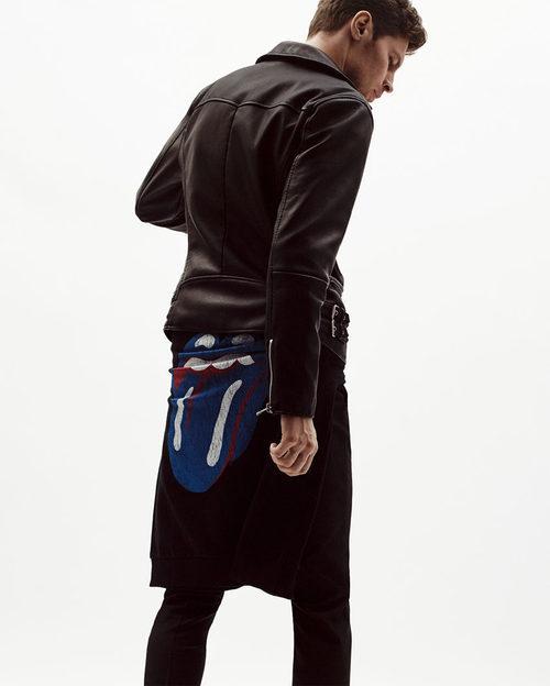Sudadera negra de los Rolling Stones de Zara en su colección limitada