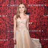 Peyton List con un vestido brilly en una fiesta en honor a Carolina Herrera en Nueva York