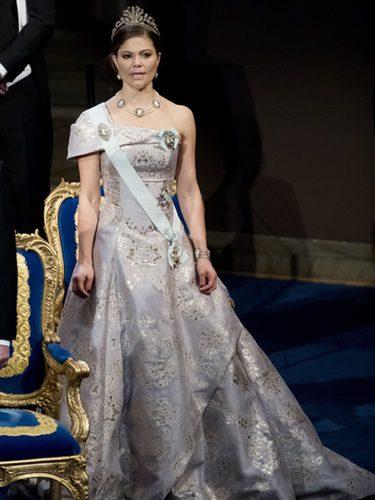 La Princesa Victoria de Suecia con un vestido de H&M en los Premios Nobel 2016