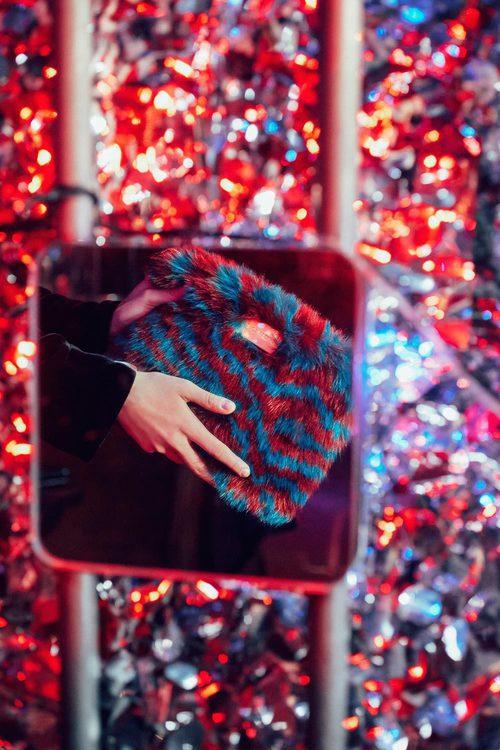 Bolso de tejido de pelo de Bimba & Lola colección Navidad 2016