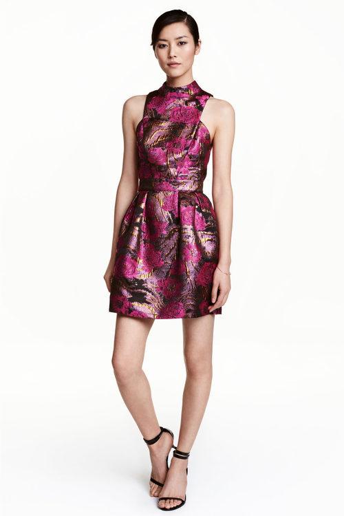 Vestido rosa con estampado de H&M colección Navidad 2016