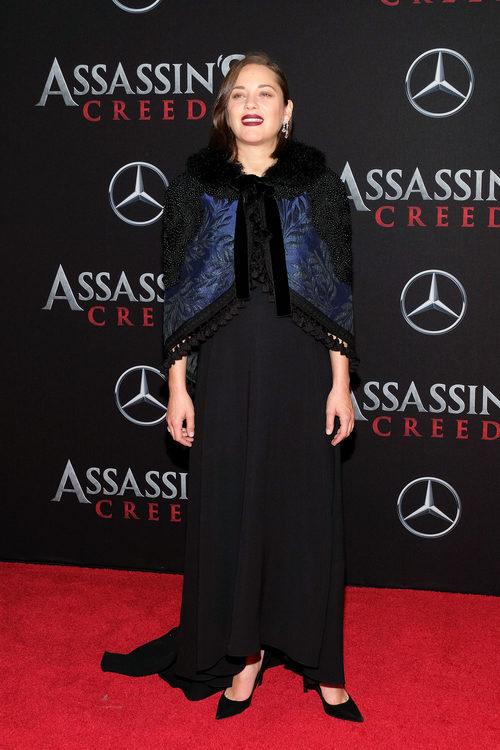 Marion Cotillard con un look black en la premiere de 'Assassin's Creed' en Nueva York