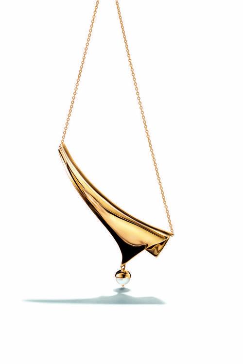 Collar dorado con perla de Eddie Borgo para Tiffany & Co