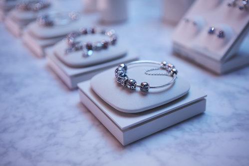Pulsera de charms de la colección Navidad 2016 de Pandora