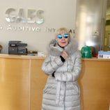 Concha Velasco con un abrigo metalizado en los premios 'Abuela del año' de Gaes