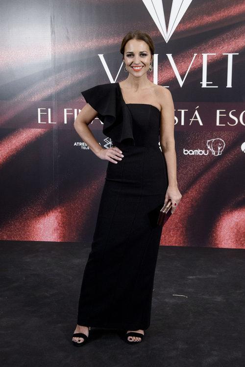 Paula Echevarría con un vestido asimétrico en la fiesta final de 'Velvet'