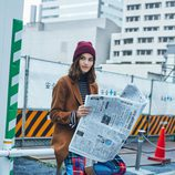 Alma Jodorowsky con una chaqueta marrón de Mango colección 'Journeys' invierno 2017