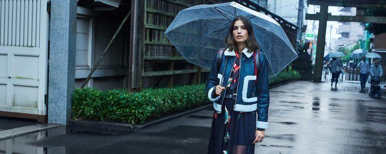 Alma Jodorowsky con una chaqueta de cuero de Mango colección 'Journeys' invierno 2017