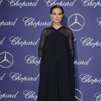 Natalie Portman con un vestido azul noche de Dior en el Festival de Cine de Palm Springs