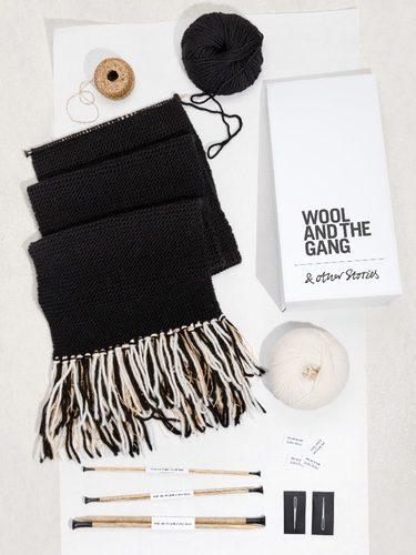 Kit de punto para bufandas de & Other Stories en colaboración con Wool and the Gang para invierno 2017