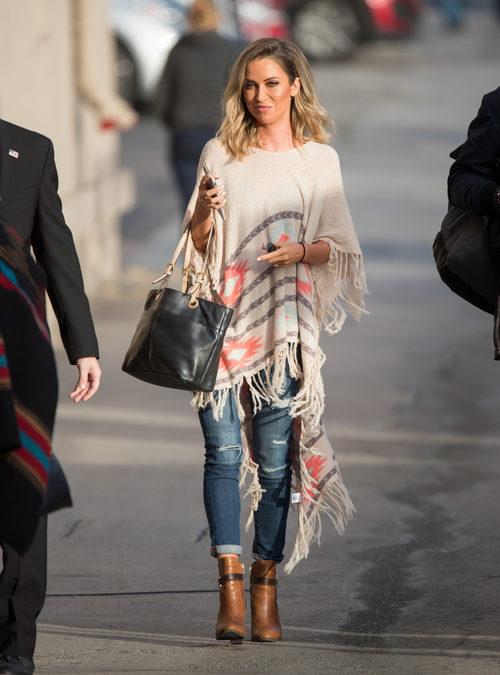 Kaitlyn Bristowe con un estilo casual en las calles de Los Ángeles