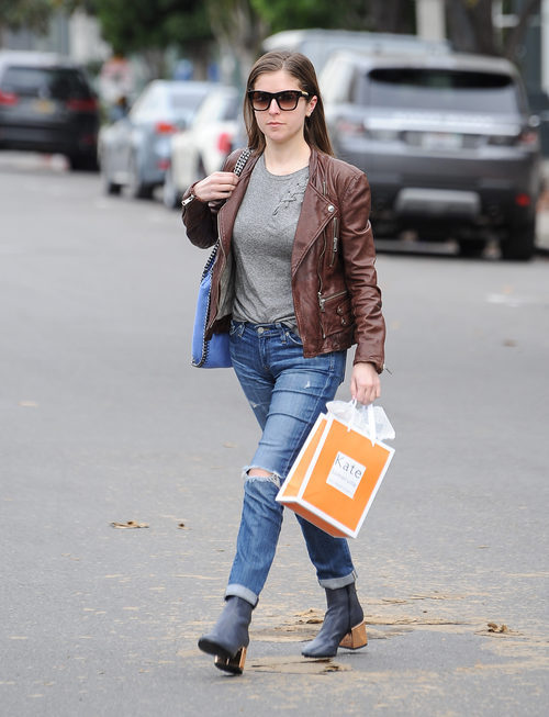 Anna Kendrick y su street style en Los Ángeles
