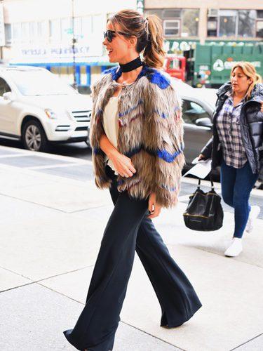 Kate Beckinsale con un abrigo de pelo en Nueva York