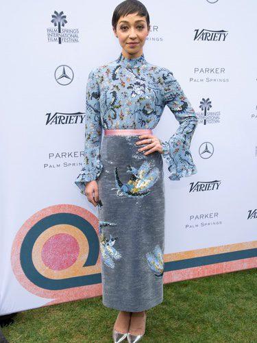 Ruth Negga con un look de terciopelo en Variety's Creative Impact Awards
