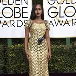Kerry Washington con un look dorado en los Globos de Oro 2017