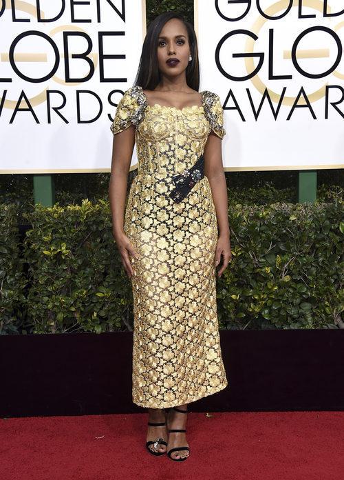 Kerry Washington con un look dorado en los Globos de Oro 2017