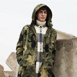 Abrigo de estampado de camuflaje de Pull&Bear invierno 2017