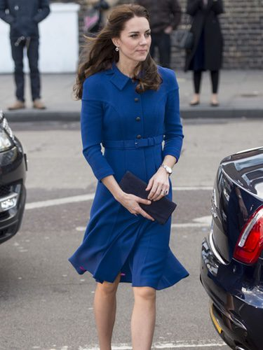 Kate Middleton con un look british volviendo al trabajo