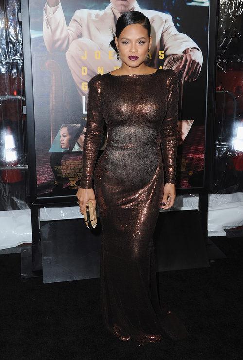 Christina Milian con un vestido transparente en el estreno de 'Vivir de noche'