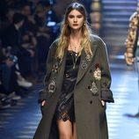 Abrigo de paño oversize de Dolce & Gabbana otoño/invierno 2017/2018 en la Milán Fashion Week
