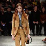 Traje de chaqueta de Prada otoño/invierno 2017/2018 en la Milán Fashion Week