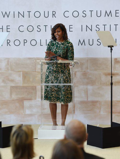 Michelle Obama dando un discurso en 'The Costume Institutes' de Anna Wintour en 2014