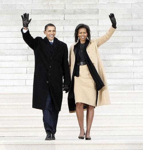 Michelle Obama con un total look con su marido Barack Obama en el 2009