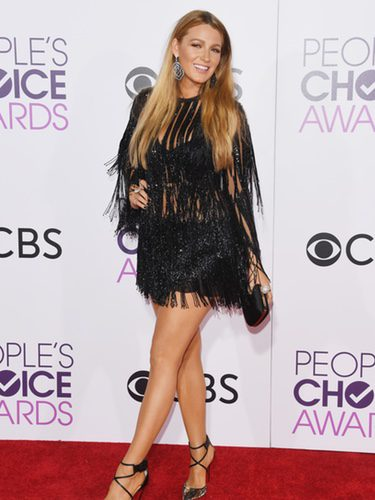 Blake Lively con un diseño de Elie Saab en los People's Choice Awards 2017